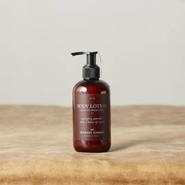 Monday Sunday - Moments Body Lotion - 250 ml i parfumerihamoghende.dk