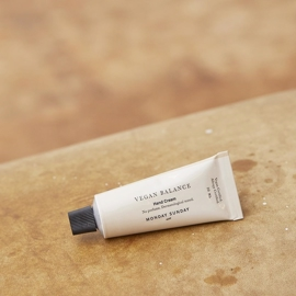 Monday Sunday - Moments Hand Cream Travel Size - 20 ml i parfumerihamoghende.dk